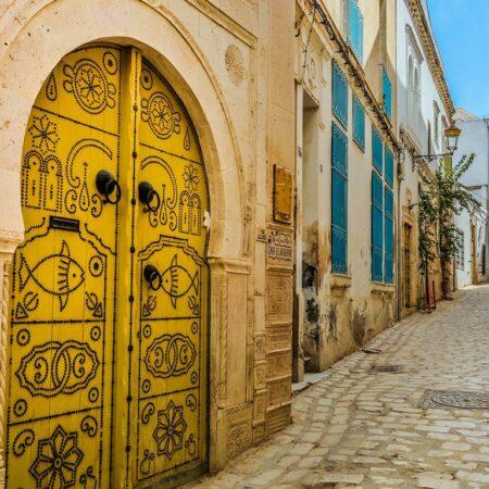 Змінилися правила в'їзду громадян України в Туніс